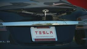 Deadly Tesla crashes raise questions about Autopilot