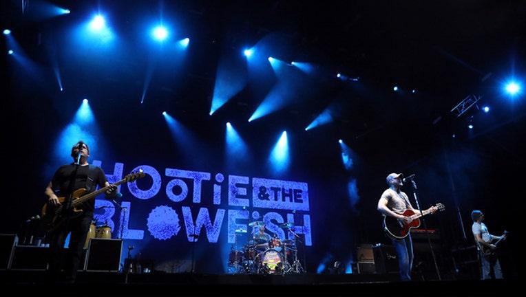 1dc90f10-GETTY Hootie and the blowfish 080819_1565278617954.jpg-403440.jpg