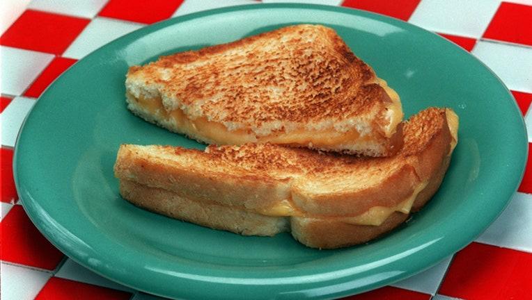 e4fb191b-GETTY grilled cheese_1565198964621.jpg-407693.jpg