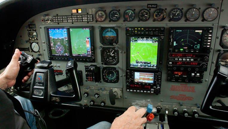 183fa668-cockpit-getty-wnyw_1564490789943.jpg