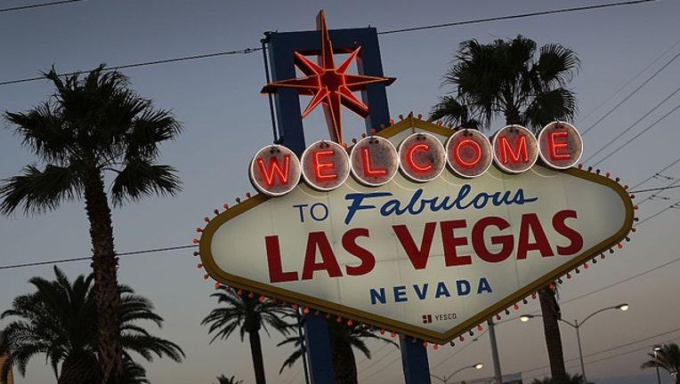 Vegas sign_121018_GETTY-407068