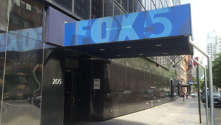 914ee433-Fox 5 Studio