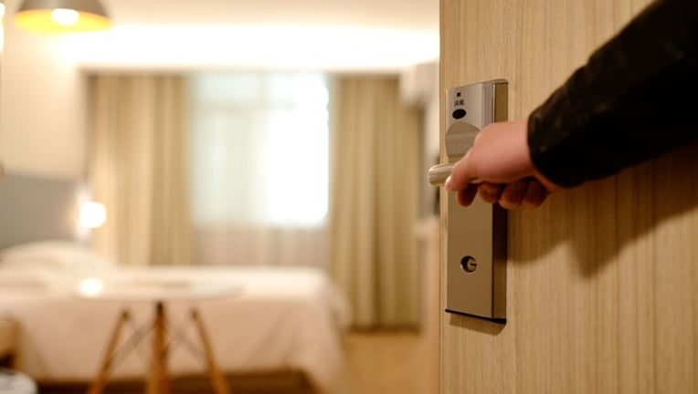 hotel_room_generic_112917_1511975056703-401096.jpeg