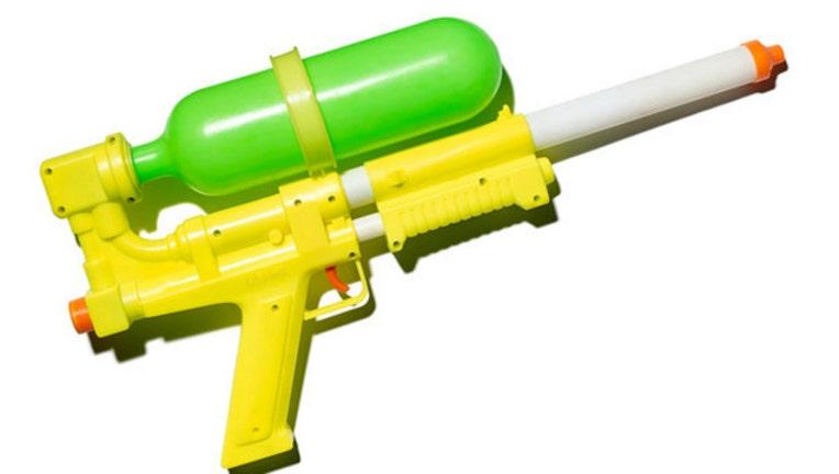 water-gun_1461018333105-404023.jpg
