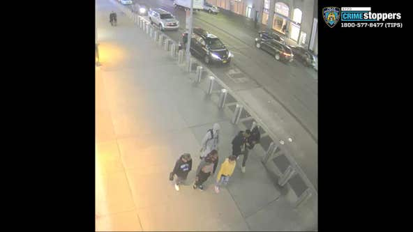 Elderly man surrounded, attacked on Midtown sidewalk