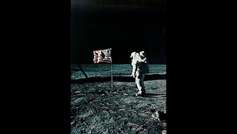 ecfa555f-moon-landing_1562859362619.jpg