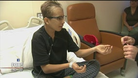 Using magic tricks as therapy for sick children