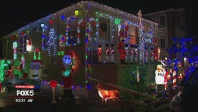 A dazzling holiday display in Hamilton Beach