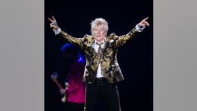 Rod Stewart, son, accused of battery in New Year's Eve fight
