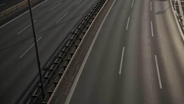 23f1ca25-getty-empty-highway-010719_1546873379432_6595979_ver1.0_1280_720.jpg