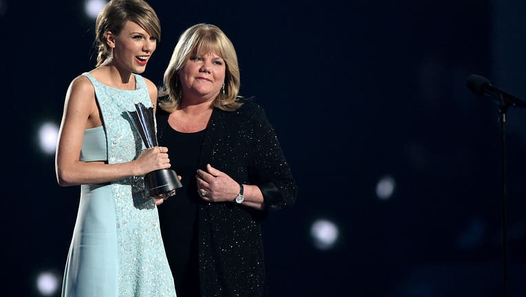 Taylor and Andrea Swift