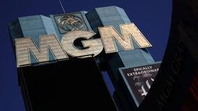 Las Vegas casino operator closes clubs, citing coronavirus