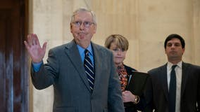 As crisis deepens, Congressional rescue deal teeters