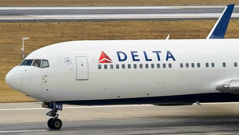 70f6d948-delta-airplane_1466886666351_1488836_ver1.0.jpg