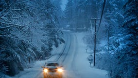 Snowstorm leaves 250K in dark in Maine