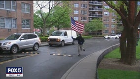 Immigrant gives nightly patriotic salute to heroes to raise spirits