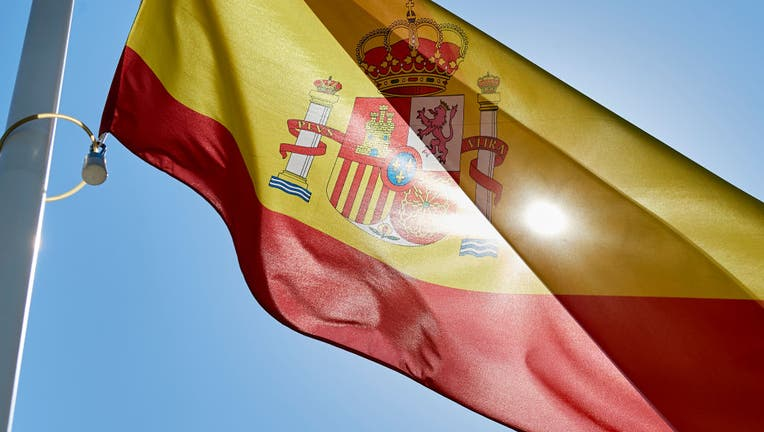 Spain Approves Minimum Monthly Income for SFamilies