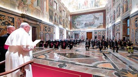 Pope Francis calls coronairus nurses, doctors heroes