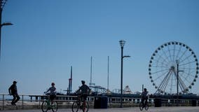 Atlantic City OKs booze on the Boardwalk to boost crowds