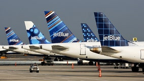 JetBlue may move headquarters from New York