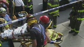 Scaffolding collapses in Manhattan; 1 dead