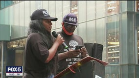 Rally against police brutality held in Manhattan