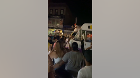 Hundreds pack street, ignore social distancing guidelines in Queens