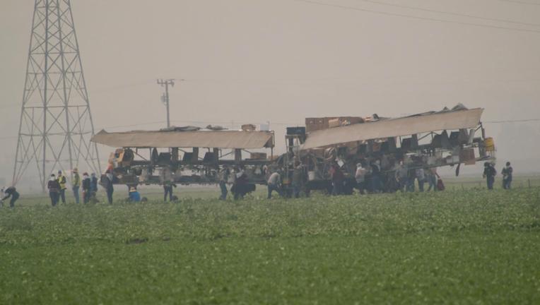 Farmworkers smoke