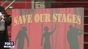 Schumer calls for federal aid for Broadway theaters