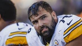 Steelers' Alejandro Villanueva writes name of Army hero on helmet, deviating from team's plan
