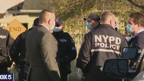 2 NYPD officers wounded in shootout in Queens