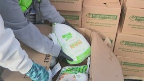 Food bank distributes Thanksgiving boxes on Long Island