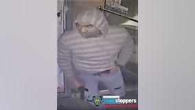 Armed robber drops gun inside Brooklyn deli