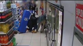Man beaten, stabbed in Manhattan 7-Eleven