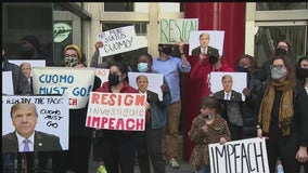 Protesters call for Cuomo's impeachment at Midtown rally