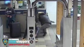 Man viciously beaten and robbed in Manhattan subway station