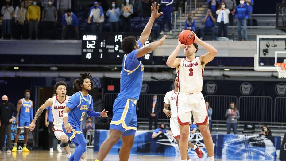 UCLA v Alabama