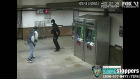 VIDEO: Armed men fight inside Harlem subway station; one stabbed
