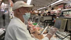 Len Berk, 91-year-old lox slicer at Zabar's, is back at work