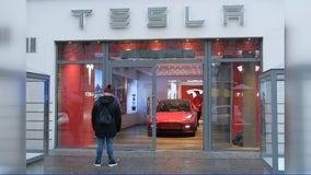 Safety regulators announce special investigation into Tesla Autopilot system