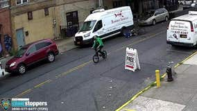 Delivery man stabbed in back while riding bicycle in Brooklyn