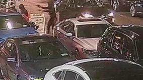 VIDEO: Jewelry thieves shoot, wound man in Manhattan