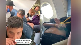 Man allegedly tries to breach cockpit on airplane out of Los Angeles; FBI investigating