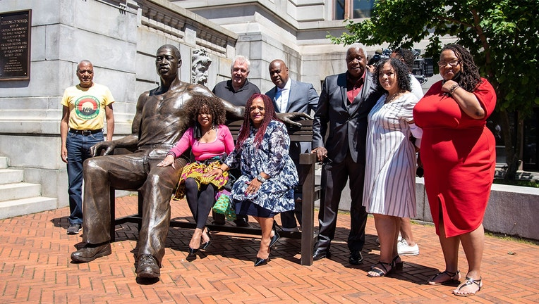 A George Floyd statue was unveiled in Newark (City of Newark)