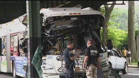 Over a dozen injured, 1 in critical condition after Bronx bus crash
