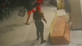 3 suspects sought in vicious robbery with cinderblock and crate: NYPD