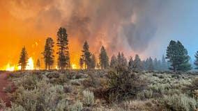 Bootleg fire: Dangerous 'fire clouds' form over Oregon