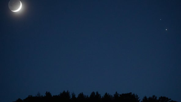 Moon aligns with Saturn and Jupiter in weekend celestial show