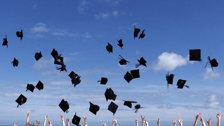 Credible-federal-student-loans-iStock-1223427521.jpg