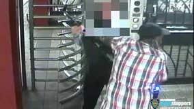 Elderly man fights off subway mugger